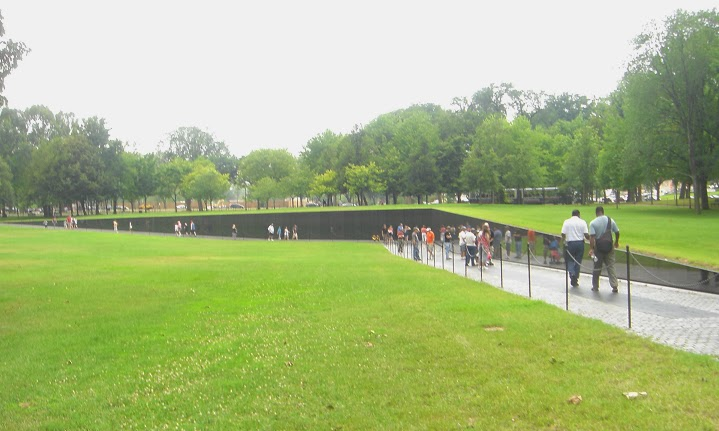The Wall, Designed By Maya Lin, Part Of The Vietnam Veterans Memorial,  Washington DC