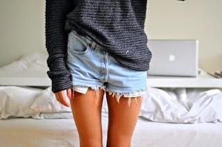 sexy marbella escort denim shorts tanned legs