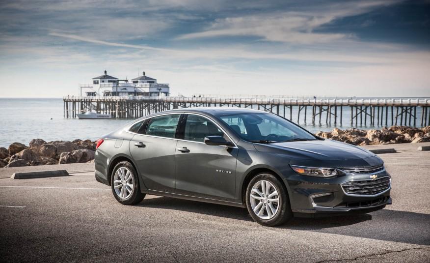 Với vẻ ngoài tuyệt đẹp, nội thất thể thao sang trọng, tiêu hao nhiên liệu siêu ít, dự kiến Chevrolet Malibu 2016 sẽ san bằng thị trường sedan tầm trung cao cấp từ bây giờ