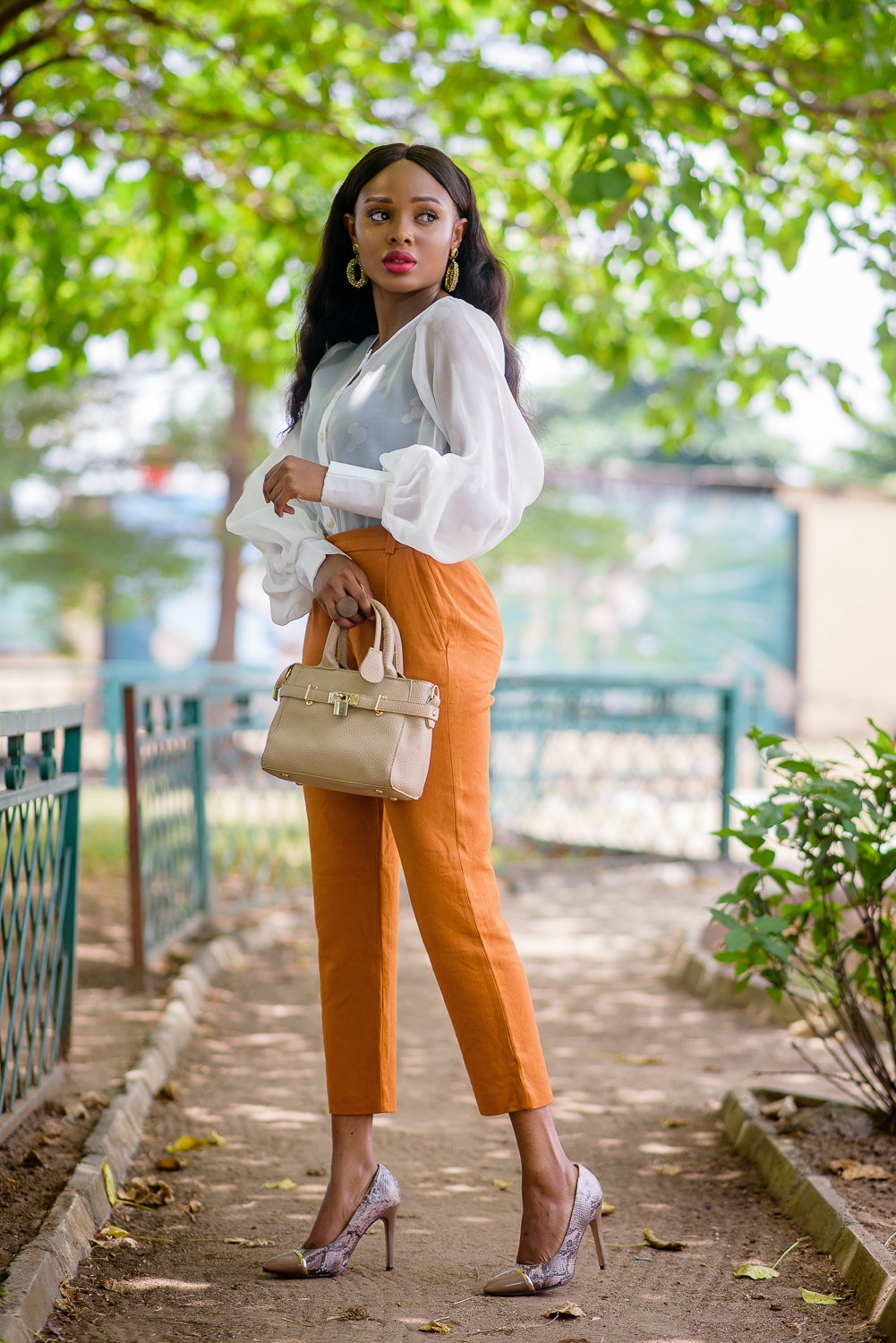 How to style the unconventional white top