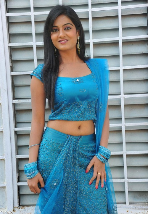Shruthi new actress latest cute photos
