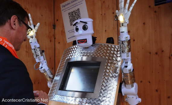 Robot recita versículos bíblicos en Alemania