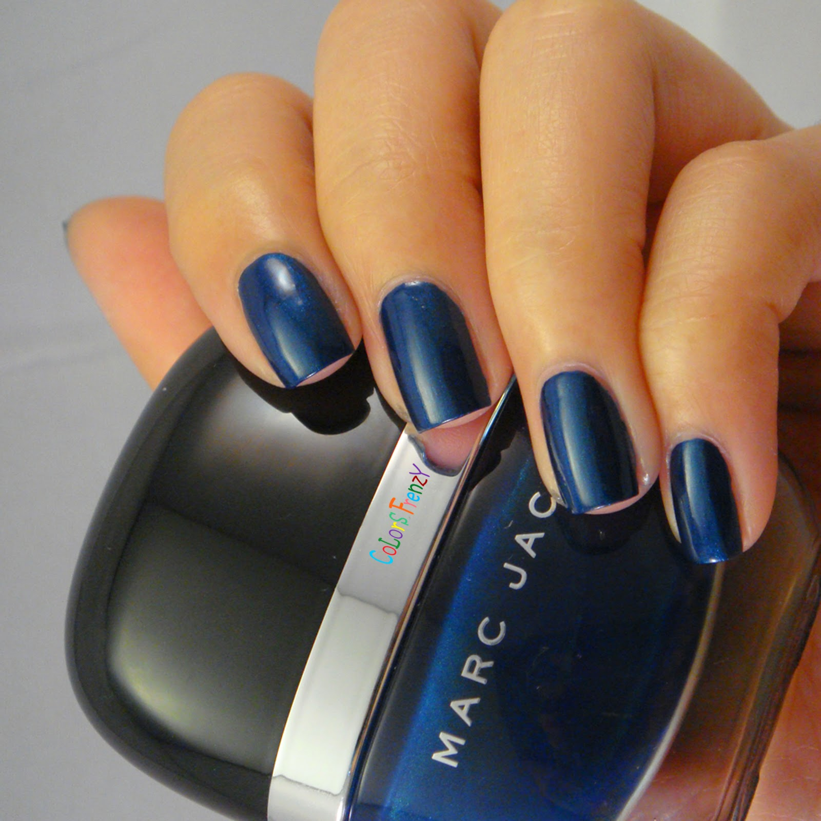 Colors Frenzy Marc Jacobs 132 Blue Velvet