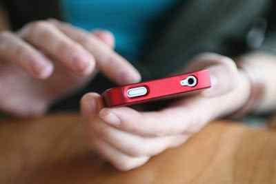 Pulsa Habis Saat Dibutuhkan? Manfaatkan Saja Aplikasi Kios Mobile Topup