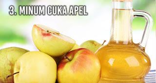 Minum Cuka Apel untuk Pertolongan Pertama Alami Saat Keracunan Makanan