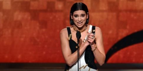 Dua Lipa vinca il secondo Grammy nella sua carriera