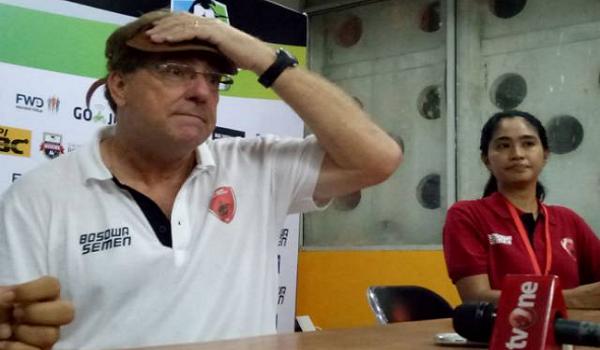 Dikalahkan Semen Padang, Pelatih PSM Makassar Marah Besar!