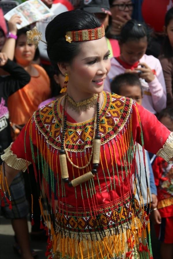 Pakaian Adat Sulawesi Selatan
