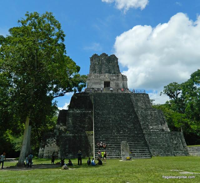 Templo da Lua (Templo das Máscaras) em Tikal, Guatemala