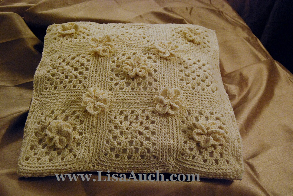 Beautiful Free Crochet Pillow Pattern with Crochet Flowers | Free ...