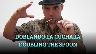 Doblando la cuchara, MAGIC TRICK, Doubling the spoon