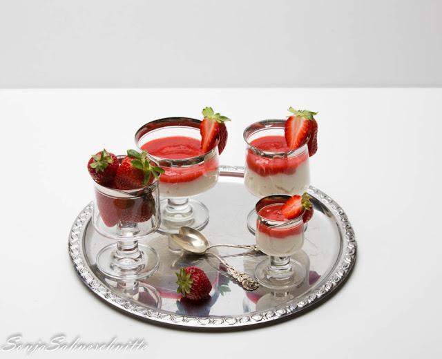 Waldmeister-Creme mit Erdbeeren