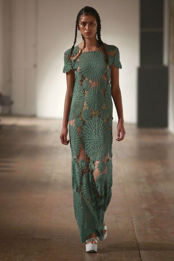 sewetkowa suknia