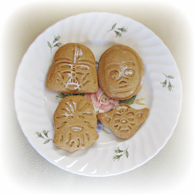 image recipe gingerbread biscuit cookies star wars darth vader chewbacca yoda c3p0