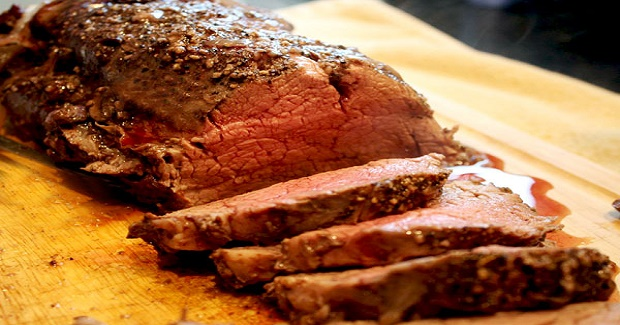 Roasted Cracked Black Pepper Chateaubriand Beef Tenderloin With Red Wine Pan Sauce Recipe