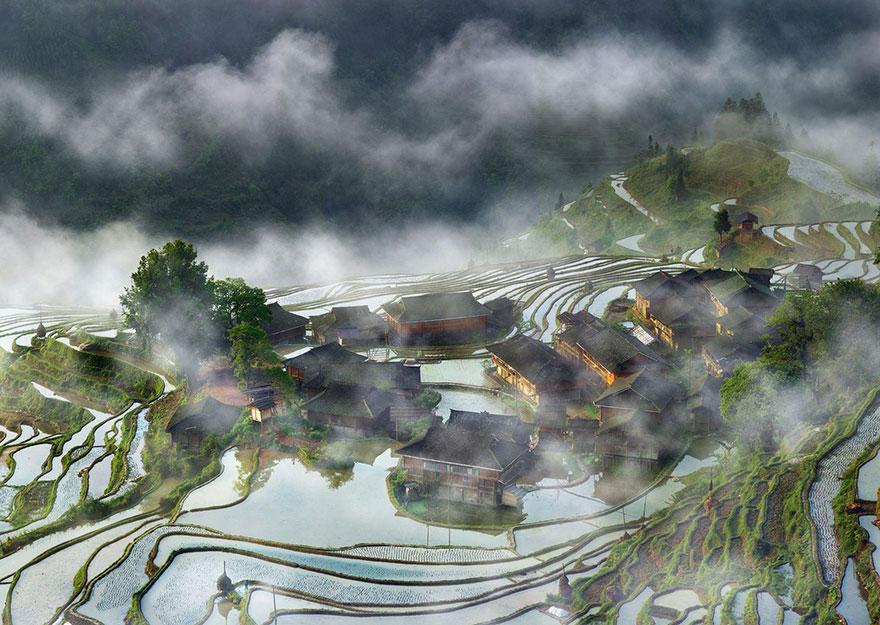 These Are The 35 Best Pictures Of 2016 National Geographic Traveler Photo Contest - Terraces Village In The Mist, China