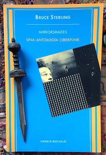 Portada del libro Mirrorshades, de varios autores