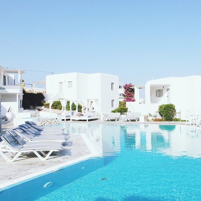 Jelena Zivanovic Instagram @lelazivanovic.Glam fab week.Minois village hotel suites & spa in Paros, video.