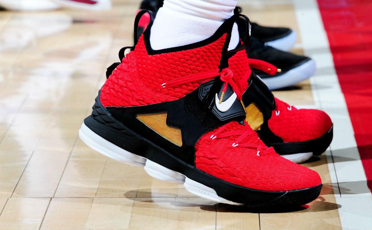 SoleWatch: LeBron James Debuts the 'Diamond Turf' Nike