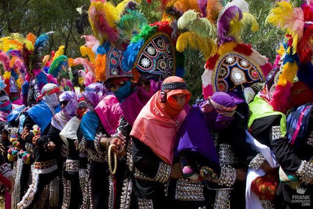 Caporales en la fiesta de San Pedro Ixtlahuaca Oaxaca