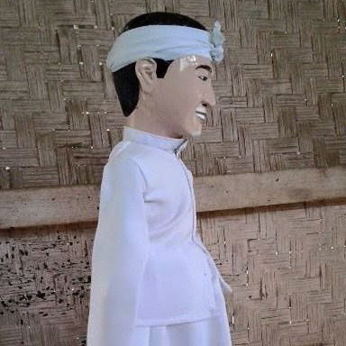 wayang golek custom karakter wajah mirip Dedi Mizwar