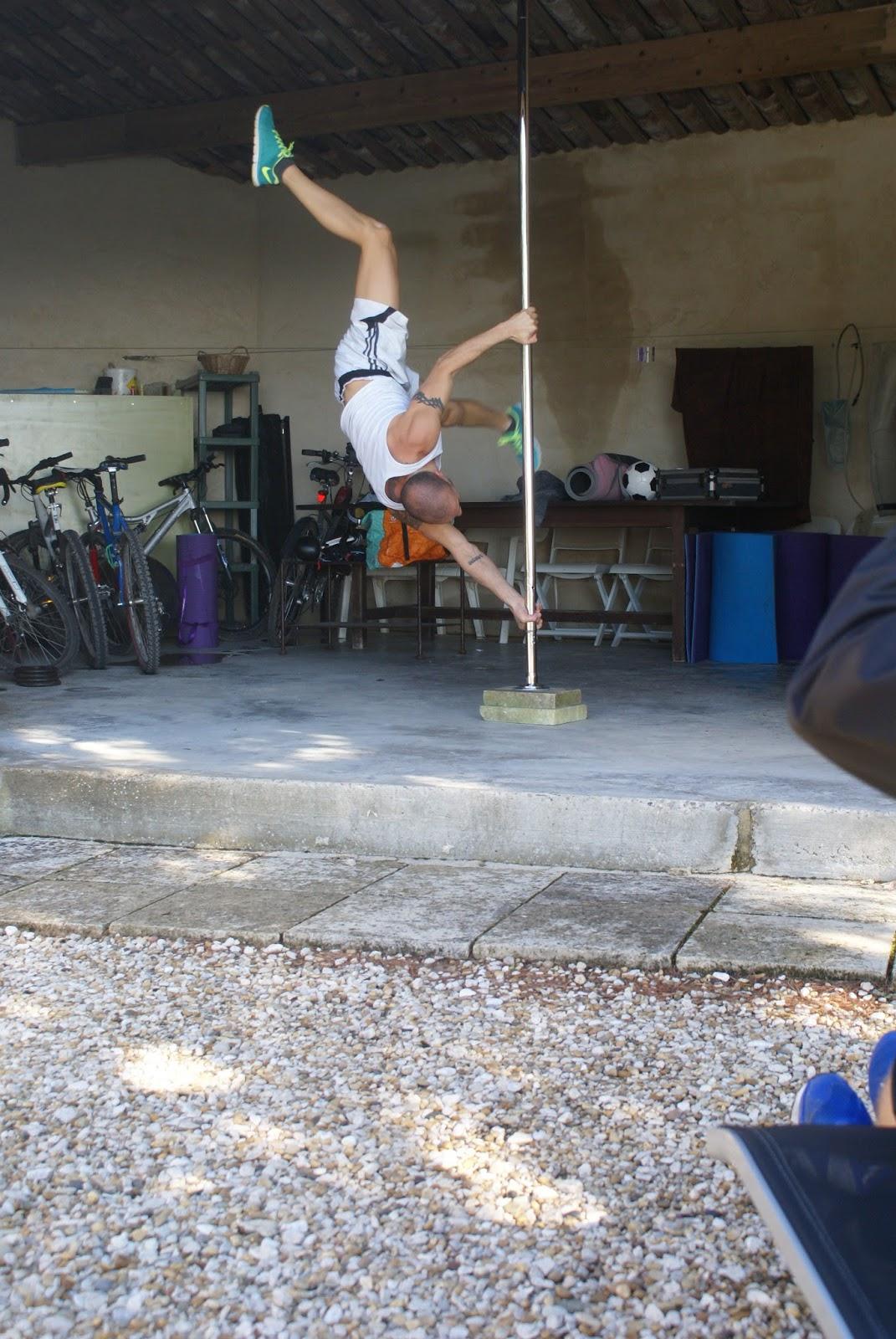 Gr gory capra pole dance en luberon for Barre de danse occasion