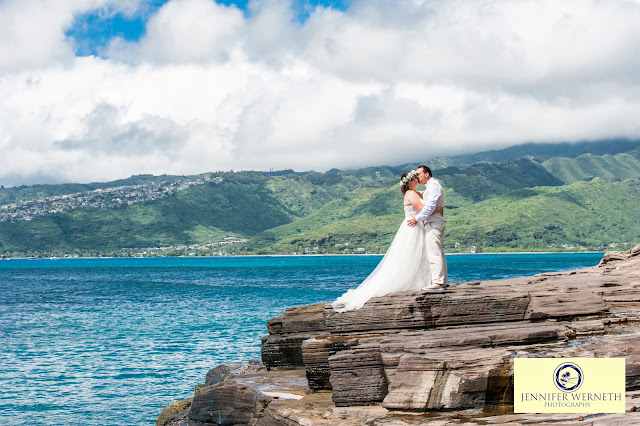 wedding photography at the beach in Oahu