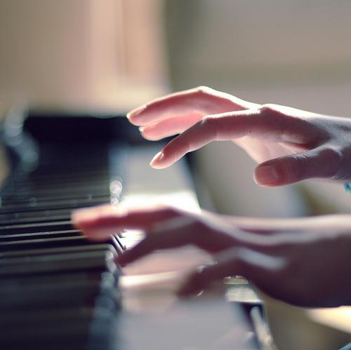 Các bước tập đàn piano cho người mới bắt đầu