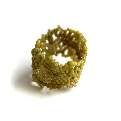купить широкое оливковое кольцо размера 18,5 женское колечко на палец