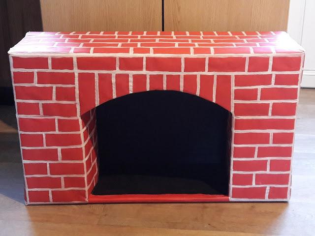 fabriquer construire réaliser cheminée noel en carton tuto diy complet clair