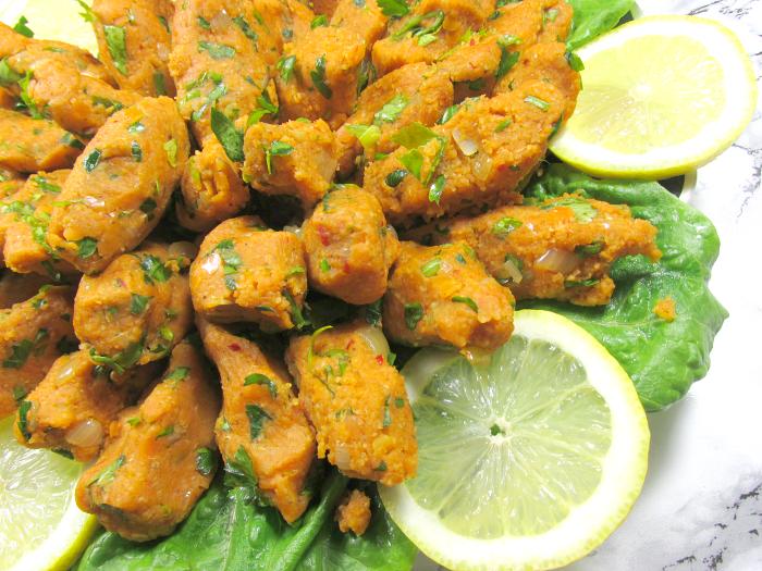 Rezept: Türkische Linsen Köfte - Vegetarische Version - Zeit: 45 Minuten & Zutaten