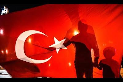 SISI LAIN Kudeta Turki, Bagaimana Sebuah Smartphone Mampu Mengalahkan Tank
