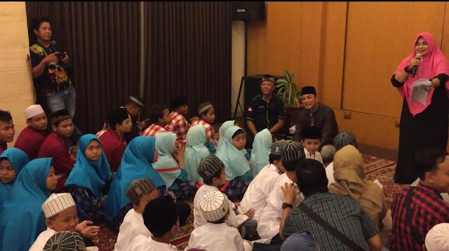 Peduli Anak Yatim, Ini Yang Dilakukan Wosca dan Jurnaslis Surabaya