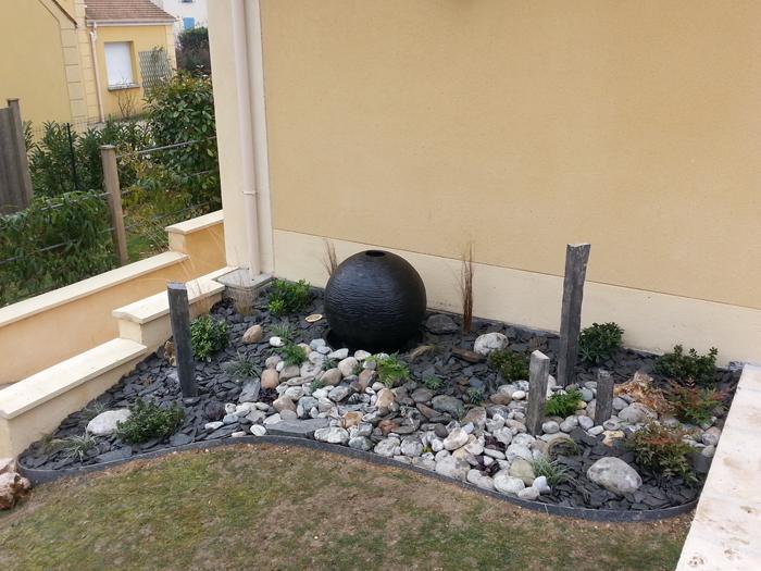 am nagement d cor zen avec fontaine boule ou comment. Black Bedroom Furniture Sets. Home Design Ideas