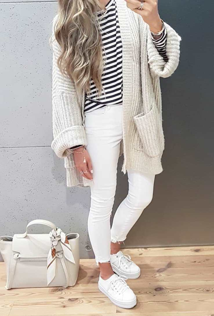 white on white / knit cardi + skinny jeans + sneakers + bag + striped top