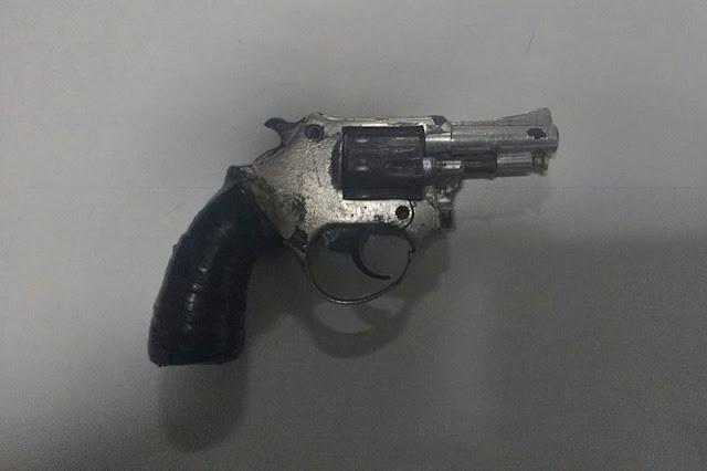 PM prende dois indivíduos com arma de fogo em Laranjeiras