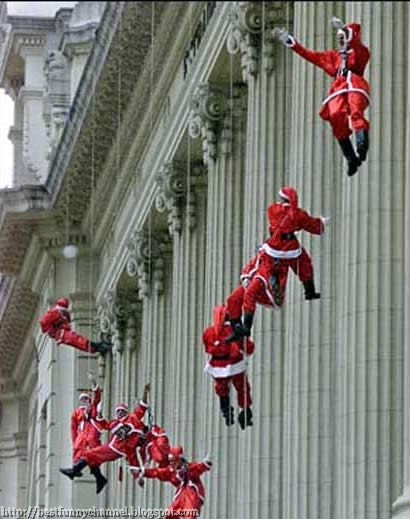 The landing of Santa Clauses