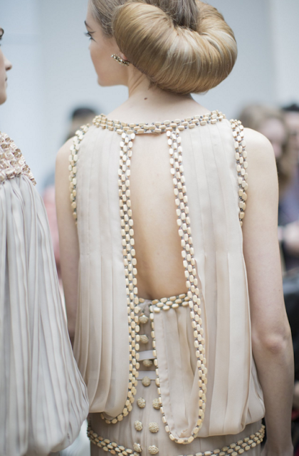 chanel-couture-show-croissant-hairstyle-sam-mcknight-coolchicstylefashion