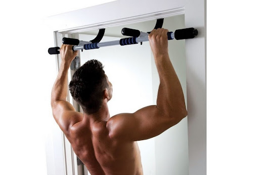 10 Ways to Pump Your Muscles with the Pull-Up Bar