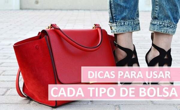 Bolsa Feminina vermelha ao lado de pé feminino.