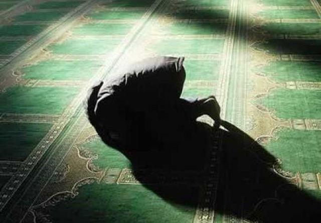 Waspada! Beribadah tapi Melupakan Allah yang Biasa Muncul di Bulan Suci Ramadhan