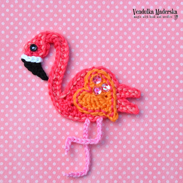 Crochet flamingo applique - pattern by Vendulkam
