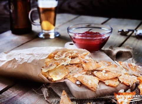 Serowo-paprykowe chipsy z tortilli