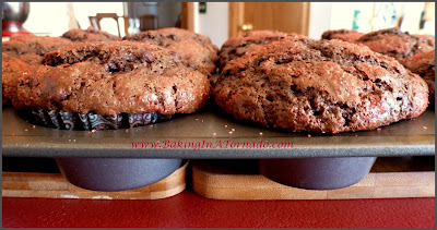 Mocha Breakfast Muffins | www.BakingInATornado.com | #recipe #breakfast
