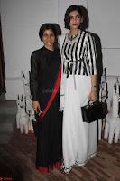 Sonam Kapoor Soha Ali Khan Konkona Sharma at Raw Mango store launch March 2017 011.JPG