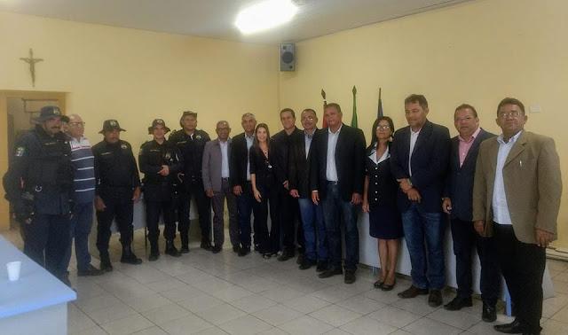 Prefeito Zé da Emater comemora  mais uma vitória para seu grupo político com a reeleição de Beto de Afonso à presidência da Câmara de Vereadores