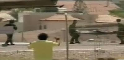 لحظة نقل «جثث ومصابي» الجيش الإسرائيلي برصاص «الجندي المصري» أيمن حسن بطل عملية «رأس النقب»
