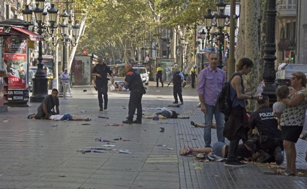 Una mujer alemana la víctima mortal número 16 del atentado de Barcelona