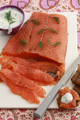 saumon mariné , facile , gravadlax, vodka , poivre