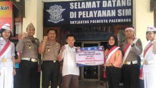 Warga Palembang Peroleh Perpanjangan SIM Gratis yang Lahir 17 Agustus